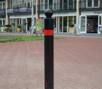 Trottoirpaal Leipzig thermisch verzinkt met een bolle kop
