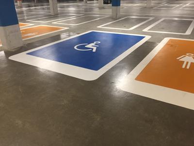 Invalideparkeerplaats symbool wegmarkering
